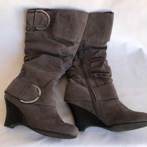 Pesáro gray tall boots with inner zipper, size 7.5